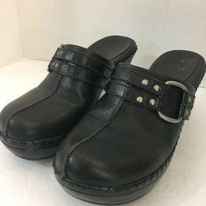 "Nurture ""Griffin"" Black Leather Clogs Slides 11M"
